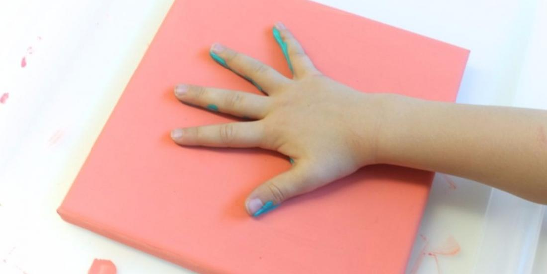This mom took her daughter's handprint once a year for 5 years to make a great souvenir decoration!