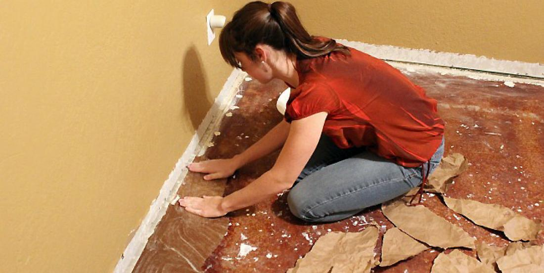 She glues paper bags on the floor ... You will be amazed!
