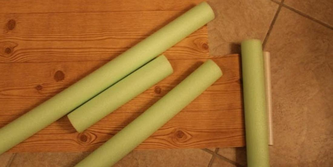 She cuts pool noodles in several sections and wraps them. Her decoration is wonderful!