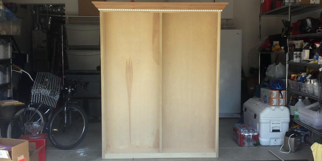 I asked my father to fix 2 bookcases together ... Now my pantry is always clean!