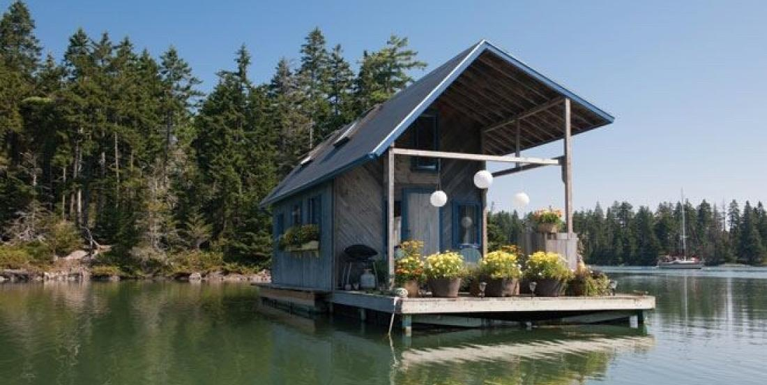 Would you be able to live in this floating home, without phone or internet, for a few days?