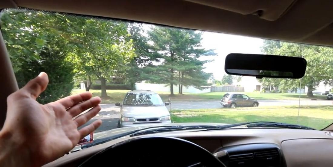 Here's the secret to get a crystal clear windshield, with no stains or drips!