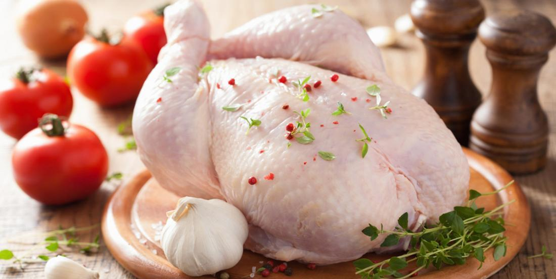 Should raw chicken be rinsed?