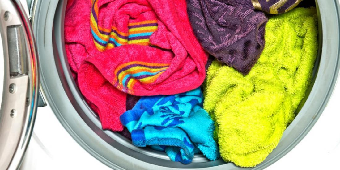 Remove the musty smell from your towels with this effective and inexpensive tip