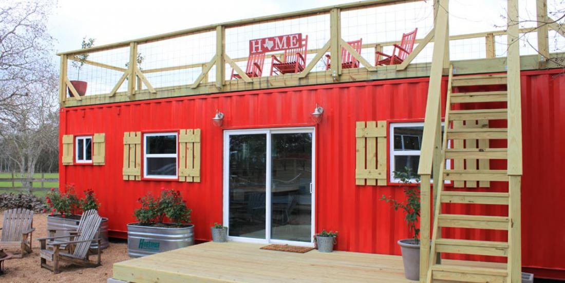 This transport container, renovated in a house and beautifully decorated is simply perfect!