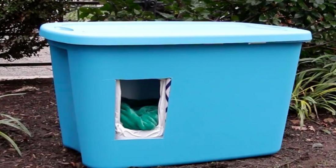 Collect a plastic bin to make a shelter for stray cats and protect them from cold weather.