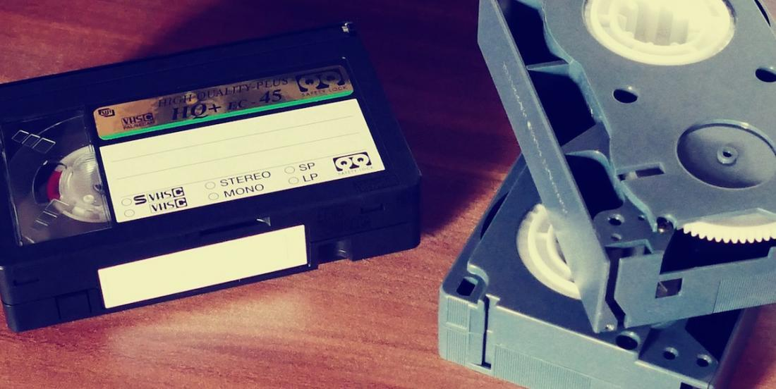 Learn how to transfer the contents from your old VHS tapes to your computer in only 2 minutes