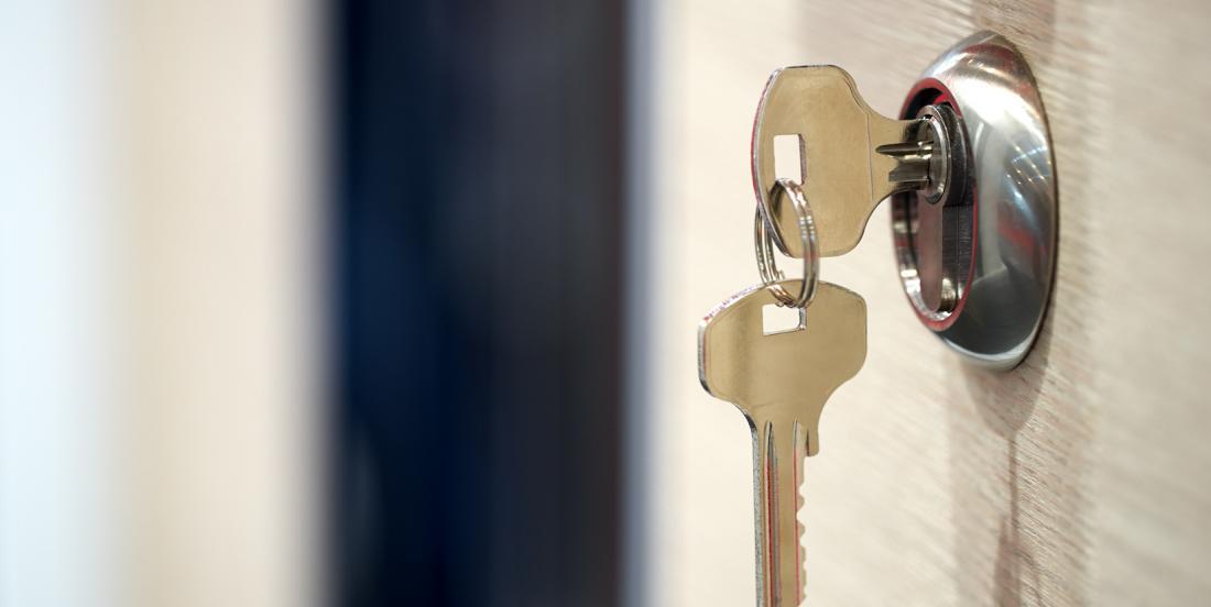 7 brilliant ways to hide emergency keys