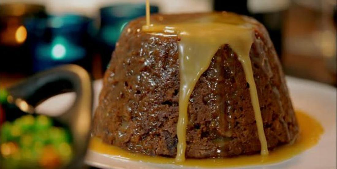 Cake with dates with butter caramel sauce!