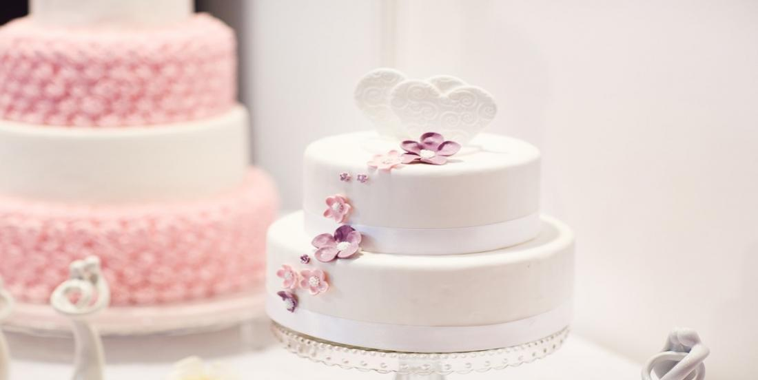 Here are ways to save on time while decorating cakes
