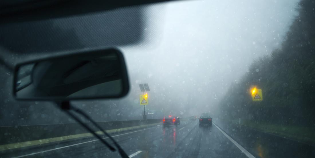 Here's the perfect tip to get rid of the fog in your windscreen!