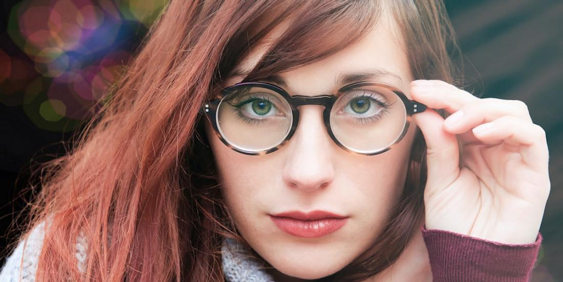 Do you wear glasses? Here are 9 tips that will make your life easier