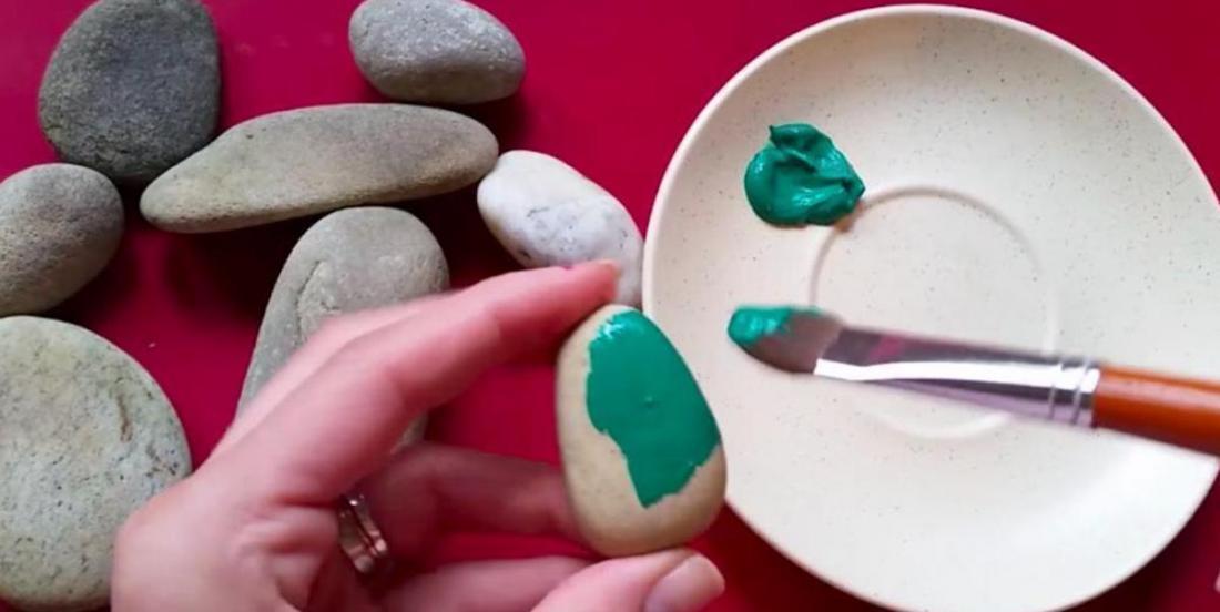 DIY: Here's how to make beautiful fake cactus using pebbles!
