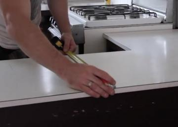 He wanted to recycle his old kitchen countertop: He brilliantly made it!