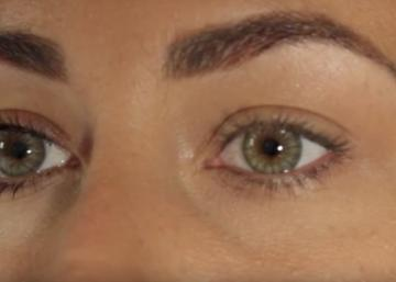 She gets thick and long eyelashes in just 5 minutes! Here's her secret!
