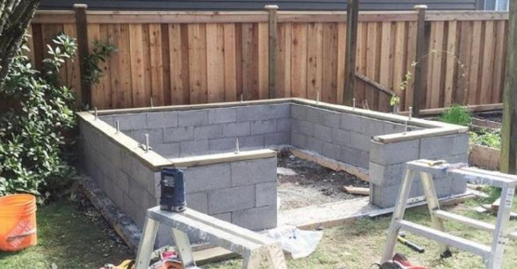 A man and his wife built low walls in the garden! Why? It is wonderful!