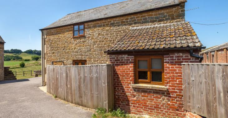 This cottage is an amazing barn conversion dating back to the 18th century.