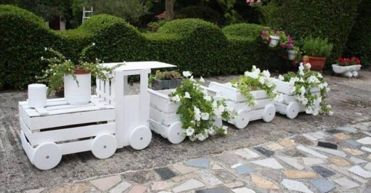 Learn how to do a locomotive planter from wooden boxes