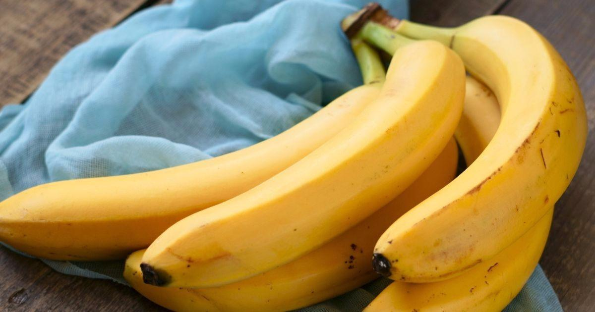 Keep Fruit Flies Away And Prevent Your Bananas From
